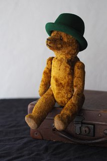 クマにして いなせな彼-antique teddy bear