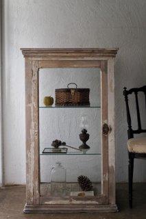 乾いた白のショーケース-antique glass show case