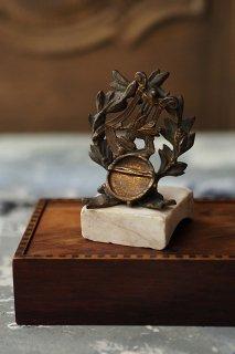 紋章 竪琴と月桂樹オブジェ-antique metal objet