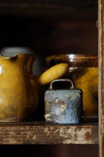 湖畔に佇むお城、鈴がチリン-hand painted brass bell