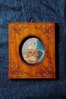 眼差しひとえな女性-antique portrait frame