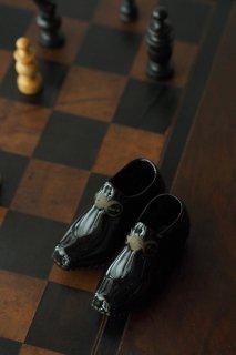 黒い靴 陶器製-antique porcelain shoes objet