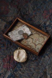 ステッチ繋げる花折々-antique glass embroidery tray