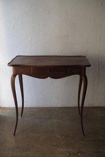 ウォルナットカブリオレレッグテーブル-antique walnut table
