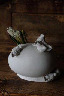 真綿色くるむ幼鳥たち-antique bisque egg & bird case