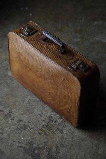 琥珀色シングルストライプトランク-antique vulcanized fiber trunk