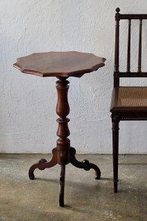 ヴィクトリアンデザートテーブル-antique tilt top side table