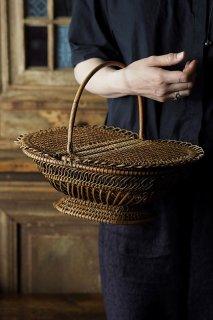 蓋バタフライ編み籠-antique sewing basket