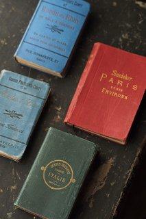 書を携え、旅に出よう-antique travel guide book