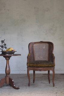 籐編み肘掛け椅子-antique Louis XV style arm chair
