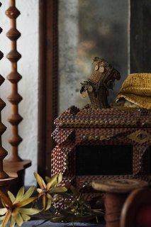 編み込み目にコイン音-antique brass small basket