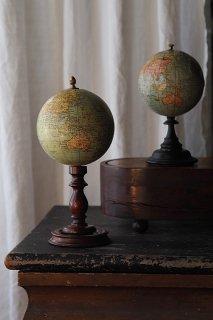 小さな地球儀-antique globe objet
