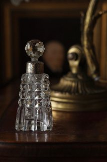 四角カットガラス香水瓶-antique glass perfume bottle