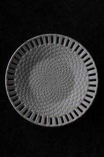 デザートプレート 編み模様に影が落ちる-antique creamware round plate