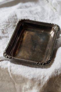 貝擬集体縁取るトレイ-antique metal tray