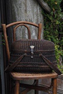 セピアに浸るバスケット-antique willow basket
