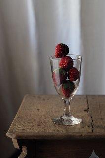 5粒 真っ赤なイチゴ-vintage strawberry objet