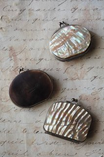 輝きの変光 コインパース-antique shell cover coin purse