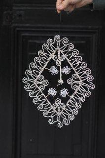 空気を揺らすオーナメント-antique beads ornament
