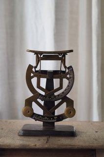 道具の優 レタースケール-antique letter scale