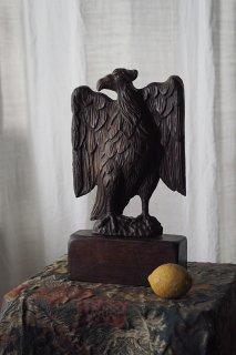 睨む目 雄々しく鷲木彫-antique wood caving eagle objet