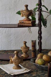 イタリア木彫 花綱と壺オブジェ-antique trio wood pot objet