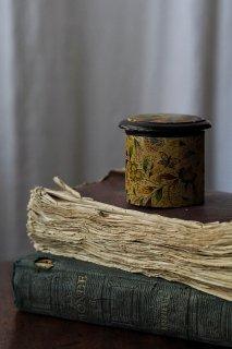 小箱、自然の中の波と影-victorian round box