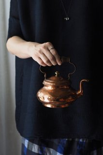 湯気を皮切りに温かみ連れ-antique copper kettle