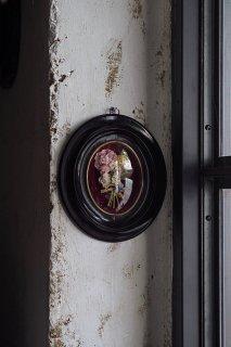 多種花束捧げる-antique oval frame