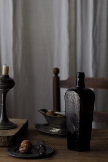 ジンボトル 肩からテーパードに-antique glass gin bottle