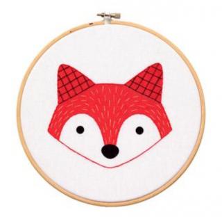 Fox Cub - Hoop Art Kit  刺繍キット(キツネの子)