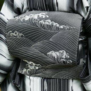 【六通袋帯[紗]】黒地に銀糸の波頭文