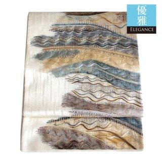 【袋帯】クリームの地に 波のような櫛おり風の模様