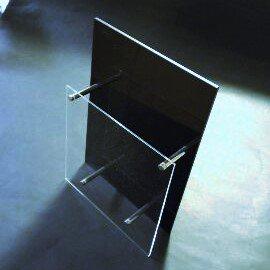 アクリルA4三折りカタログラック