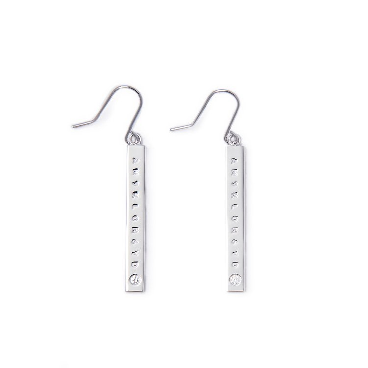 KLON BAR PIERCED EARRINGS DIAMOND