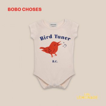 <img class='new_mark_img1' src='https://img.shop-pro.jp/img/new/icons1.gif' style='border:none;display:inline;margin:0px;padding:0px;width:auto;' /> 【BOBO CHOSES】 Bird Tuner Short Sleeve Body 【6-12M/12-18M】  ロンパース 半袖 ベビー服 22000021 ボボショーズ 20AW