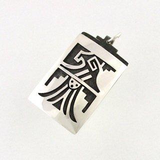 【ホピ族】Art Batala/アート・バタラ作<br>神様の使者イーグルが描かれたホピペンダント<br>ホピネックレス/オーバーレイペンダント<br>