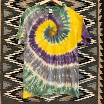 【コラボTシャツ タイダイ】サンド L<br>ネイルデイビッドによるカチナが描かれたオリジナルTシャツ<br>【ホピ族】Neil David<br>