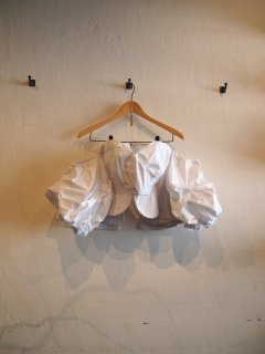 Frill puff sleeve TOPS (WHT)