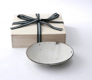 鉄巻粉引 取皿