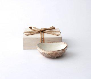 渕荒横彫 三角鉢(SS)