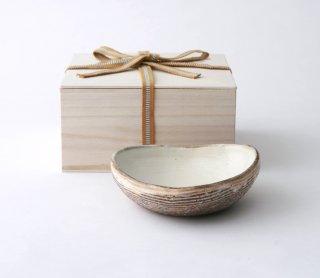 渕荒横彫 三角鉢(S)