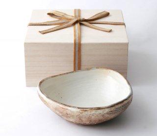 渕荒横彫 三角鉢(M)
