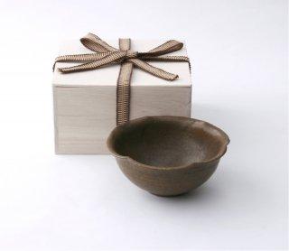 錆釉  輪花小鉢