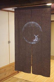 手描き麻「月に銀うさぎ」縦150cm×横90cm