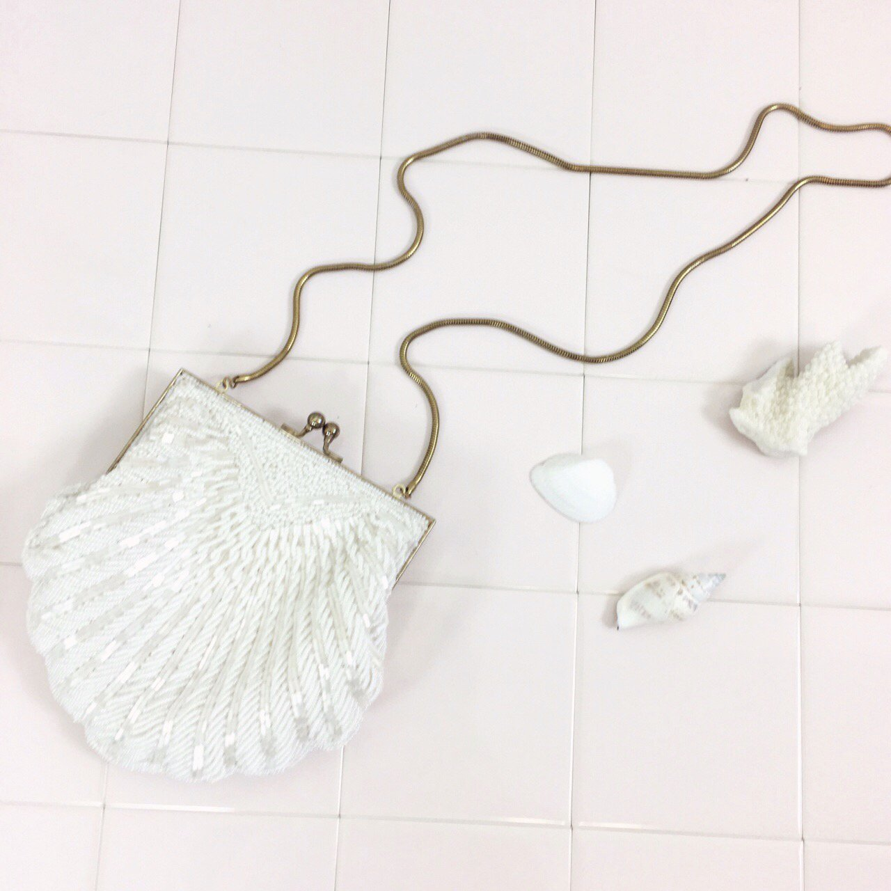 vintage white shell beads bag