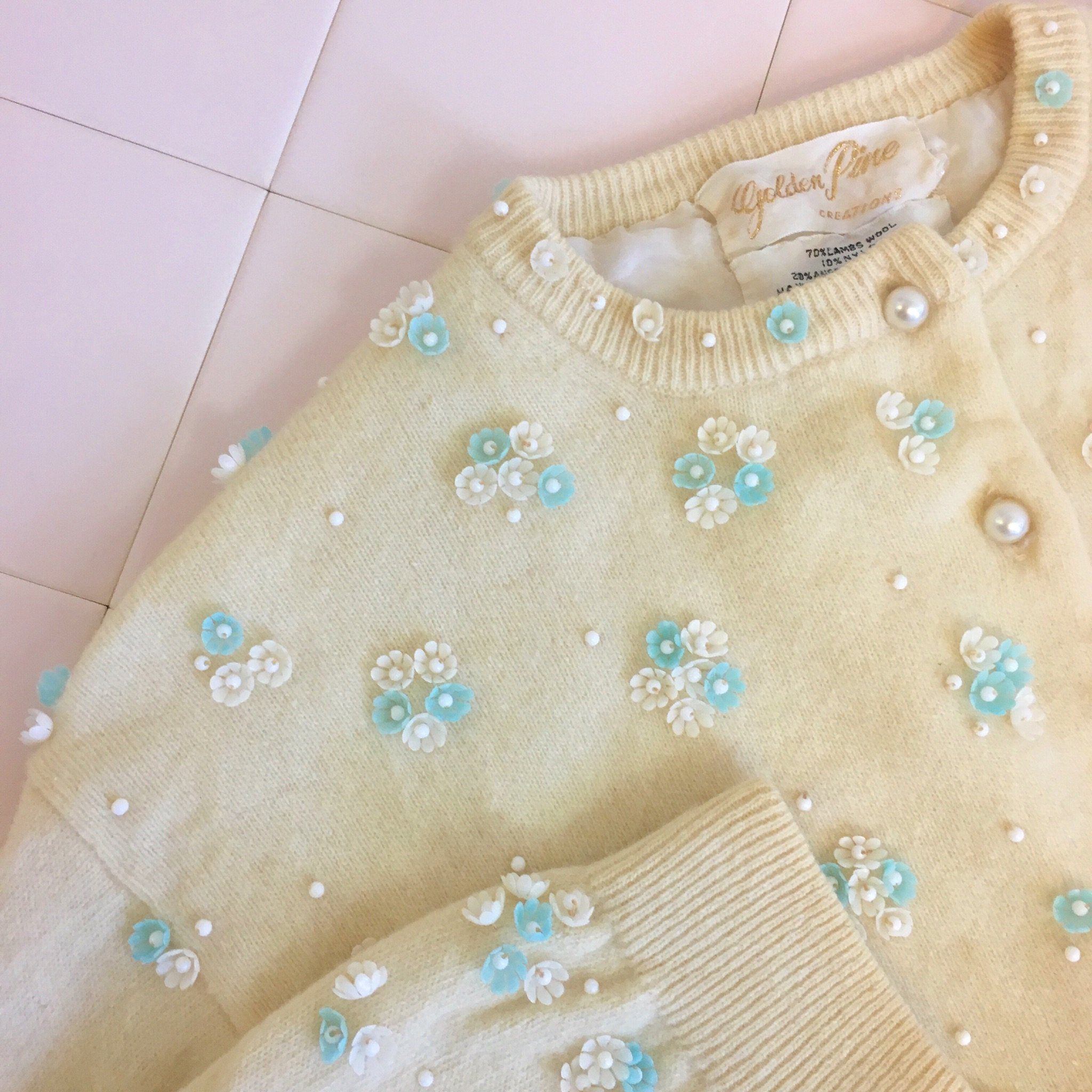 vintage toy flower cardigan