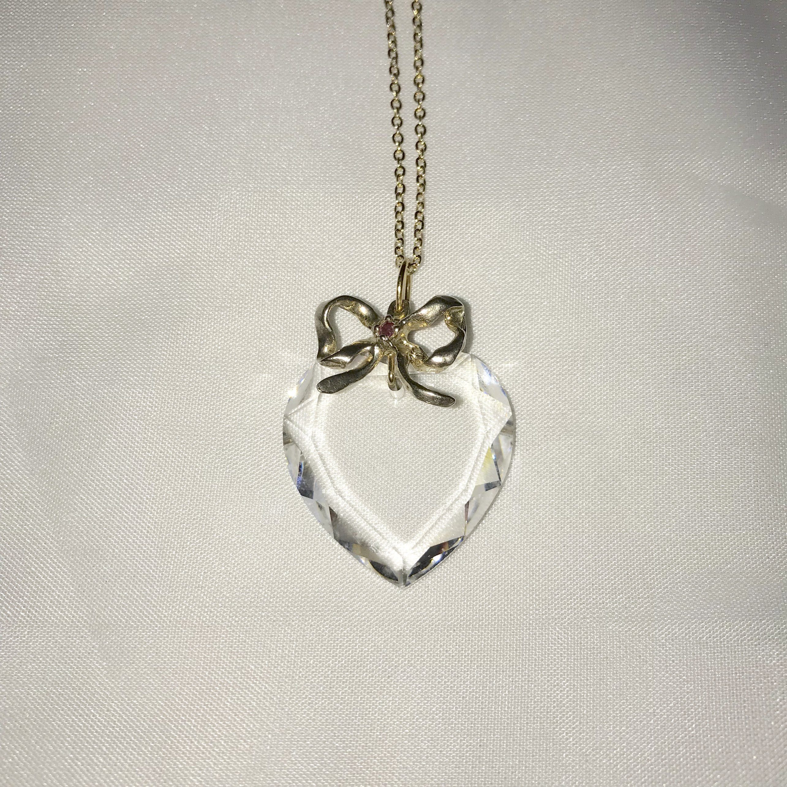 clear heart × ribbon necklace