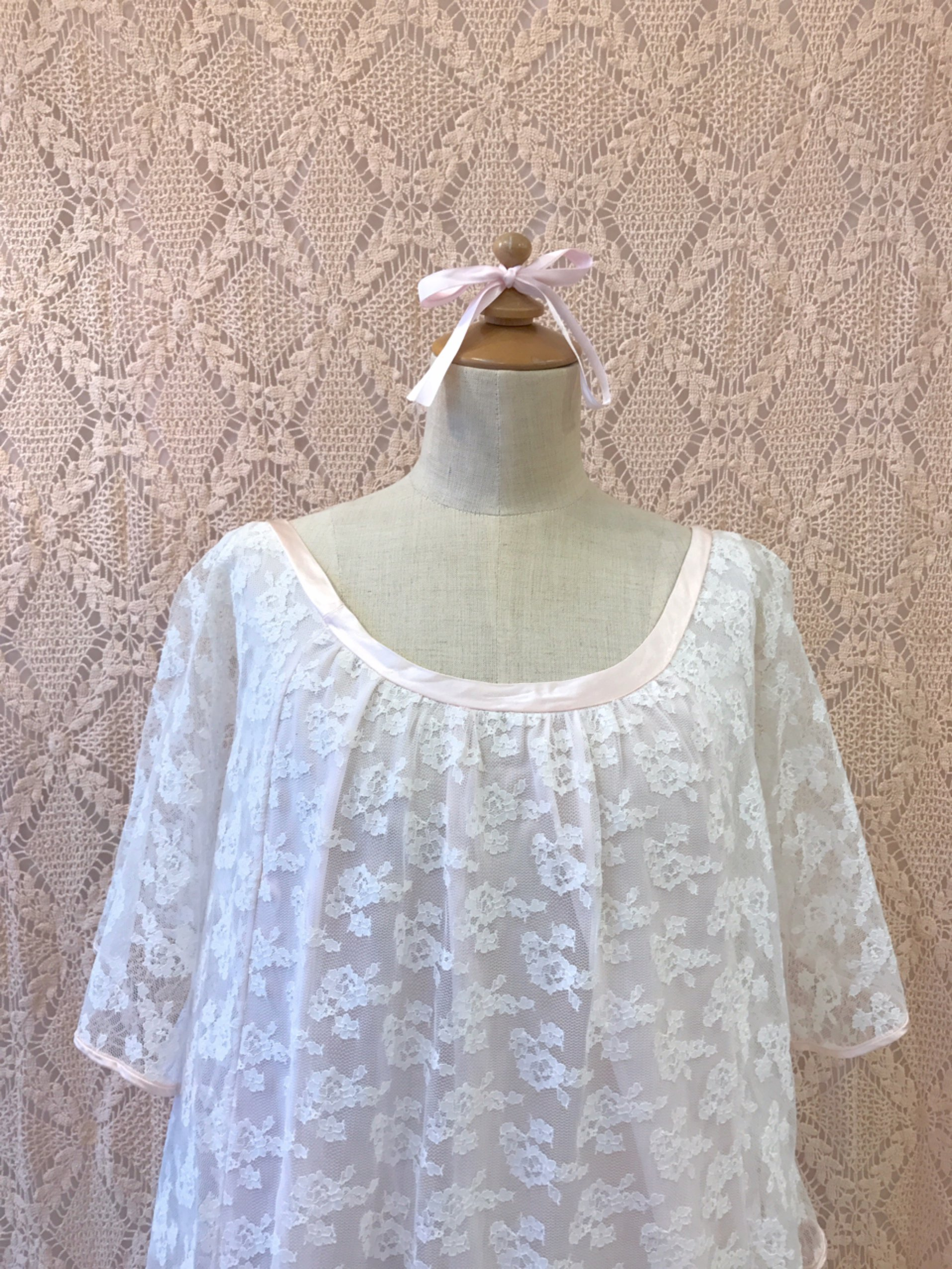 clione white lace pink onepiece