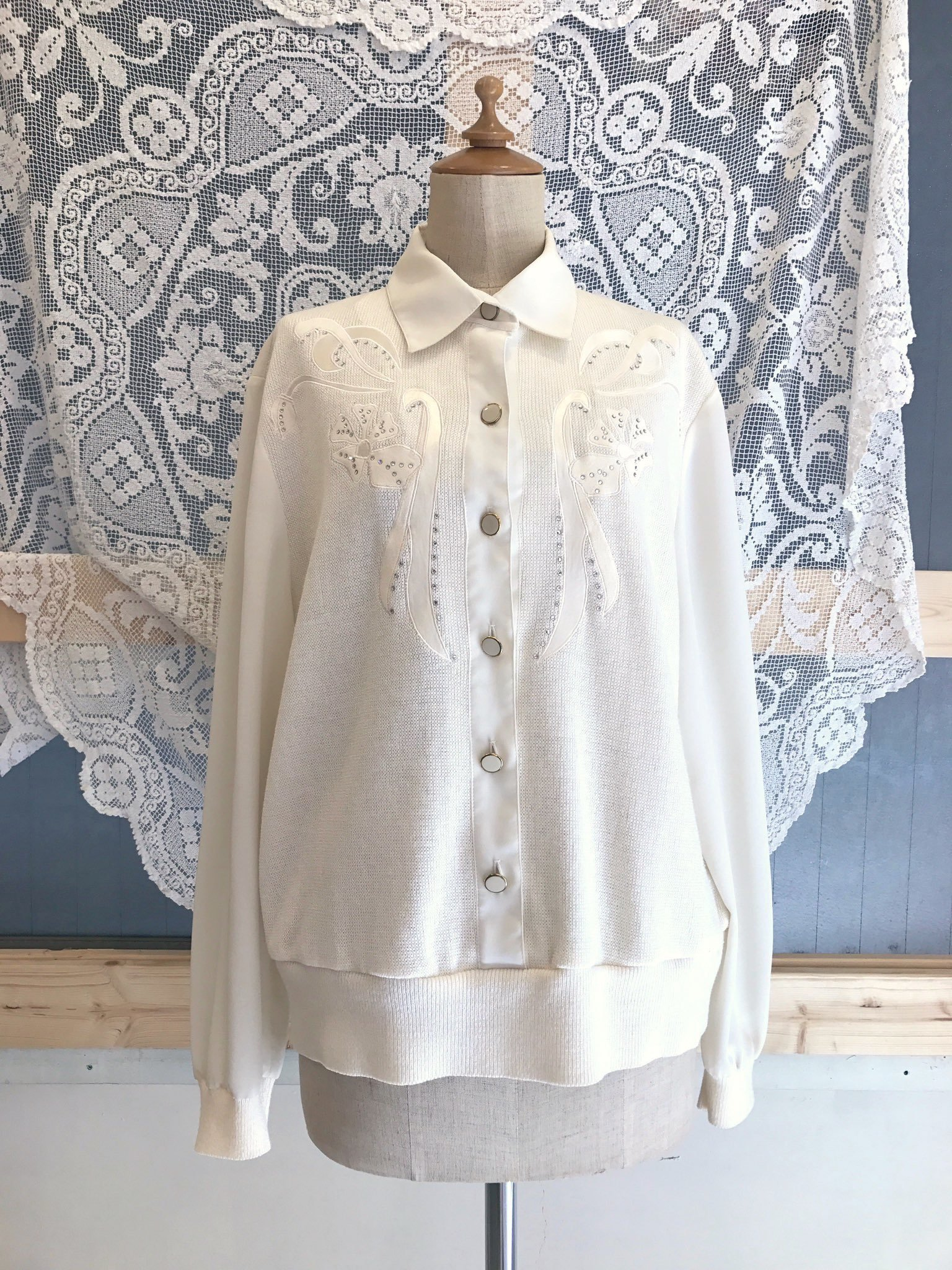 knit × sheer white  flower tops